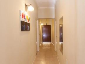 Studentenhuis_Curacao_Gang huis