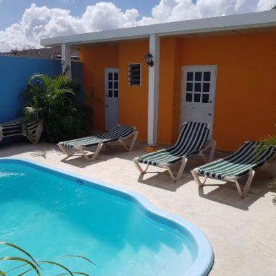 Studentenhuis_Curacao_Nieuwe kamers aan het zwembad